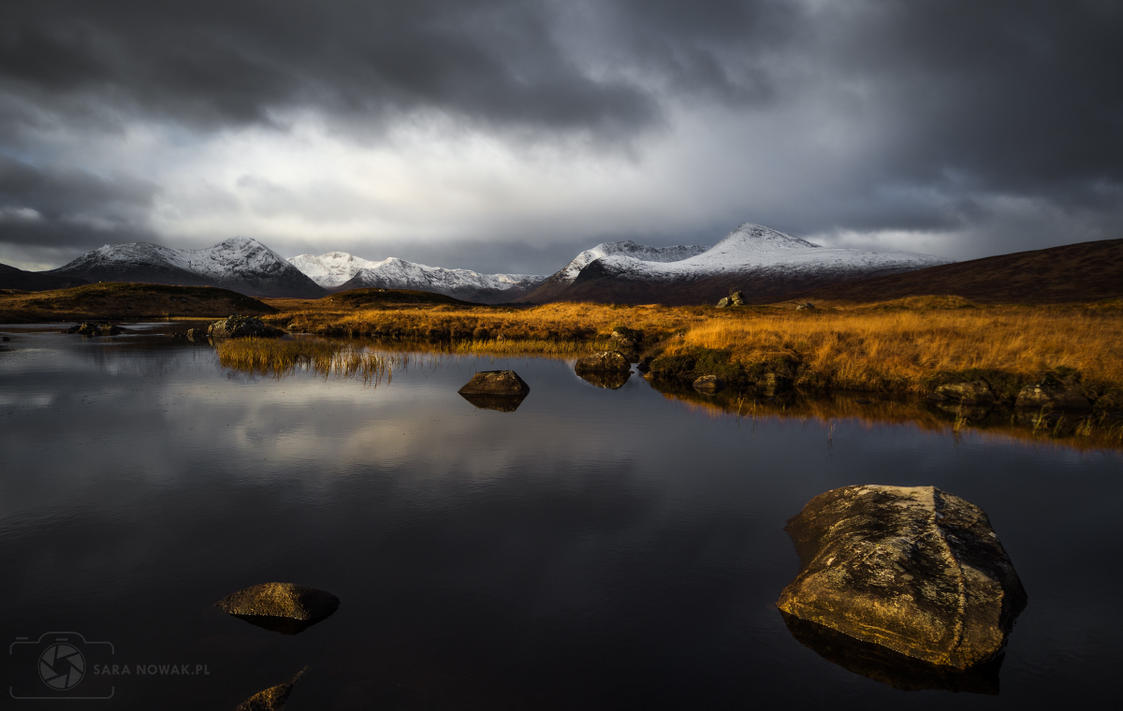 Lochan na h-Achlaise by Aenkill