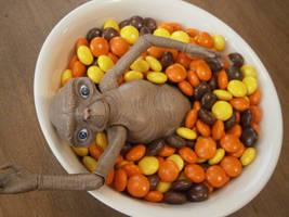 E.T. loves Reese's