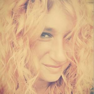 Feel-ine's Profile Picture