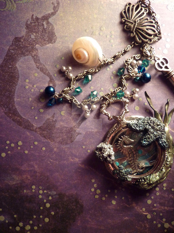 Pocket Watch Aquarium by GlimmeringStarshine