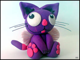 AMN Kitty figurine by Avalancha