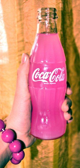 http://fc06.deviantart.net/fs18/f/2007/157/9/a/Pink_Coca_by_PinkPois.jpg