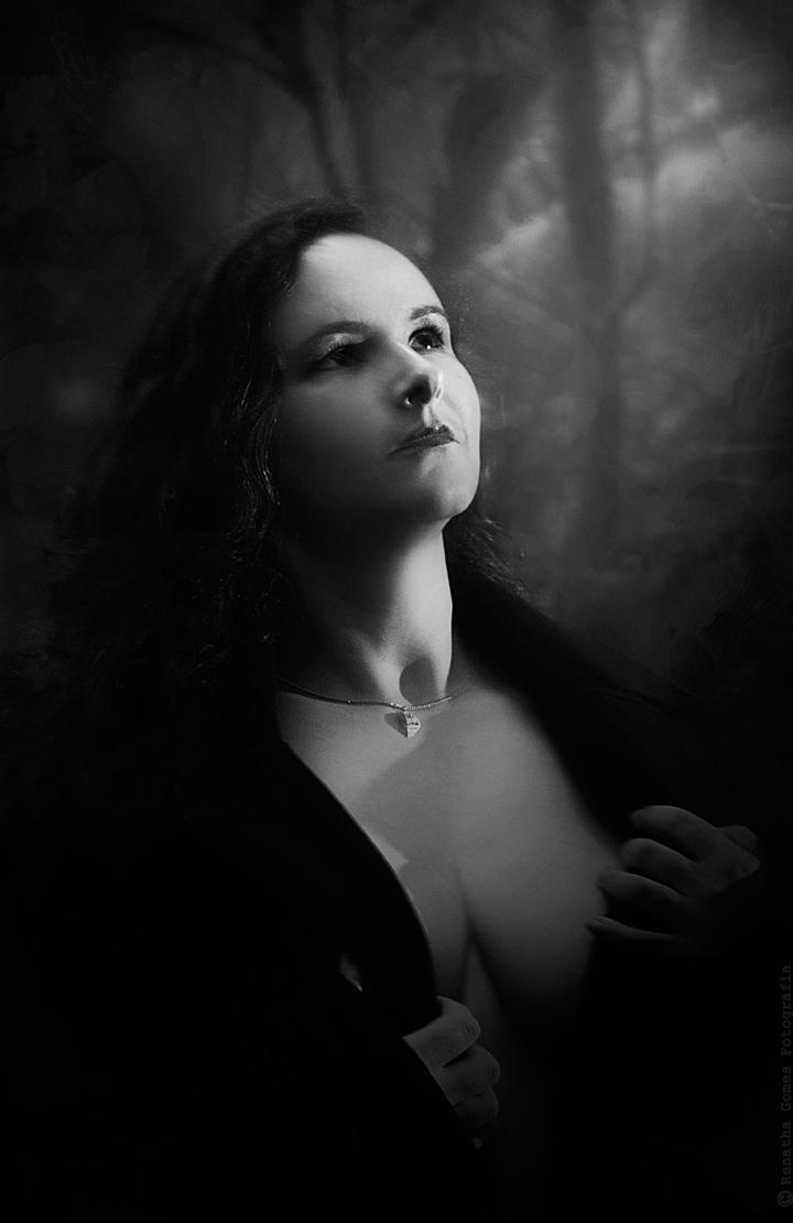 Luz by Renatha-Gomes