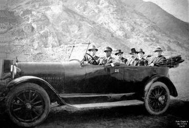 1935 (11) 1935-45 Auto que recorrio Chepen aqui el