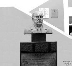 1884 Carlos A Olivares ing nace quien donaria el t