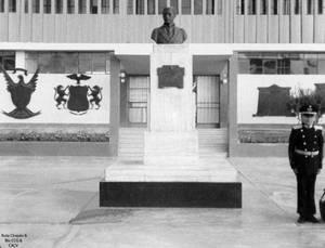 1971 (4e) 1987 Colegio Militar Elias Patio de Ingr