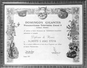 1971 (7) Diploma a  Gilberto Ugas vease una de los