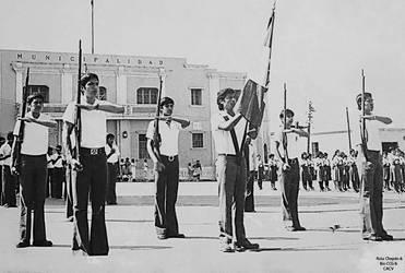 1970 (6d2) 1970-80 Desfile por Fiestas Patrias en  by Chepen-Ruta