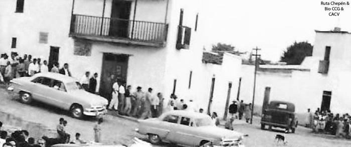 1947 (9) 1950-60 Pobladores de Chepen en la Av Gon by Chepen-Ruta