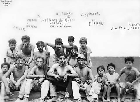 1953 Carnavales en Chepen Jovenes y nios de la C