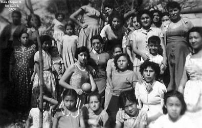 1956 Grupo de chepenanas en un paseo a la playa ju by Chepen-Ruta