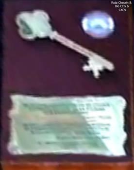 9c 2011-08-18 Las llaves de la Ciudad entregada a