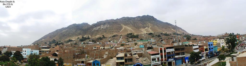 4b2a Cerro de Chepen vista frontal desde la ciudad