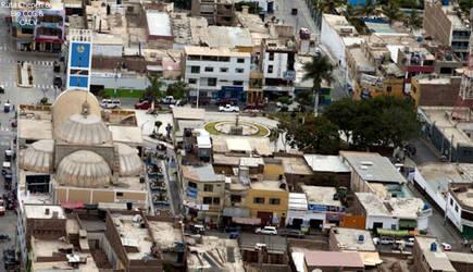 0d1 2012 Plaza de Armas Chepen panoramico Edmundo