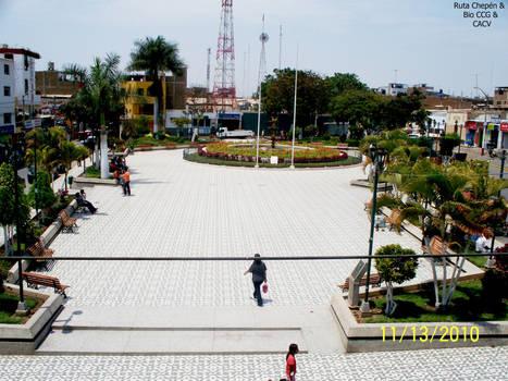2a0b  2010 Plaza de Armas Chepen