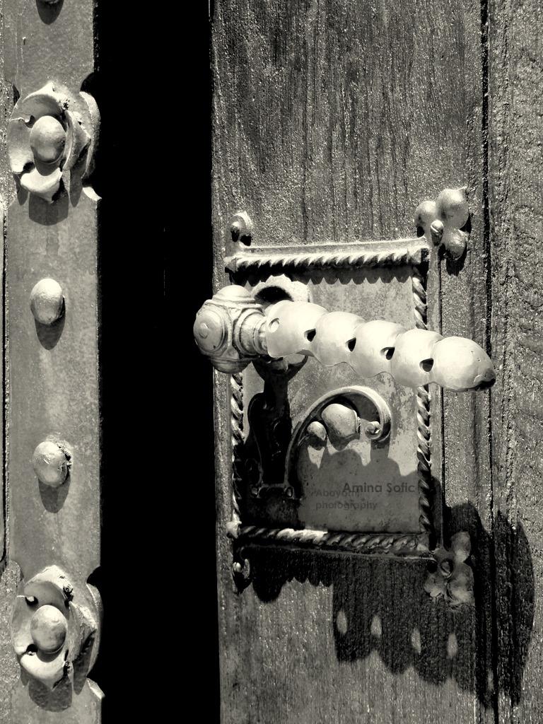 Knock. by bezosjecajna