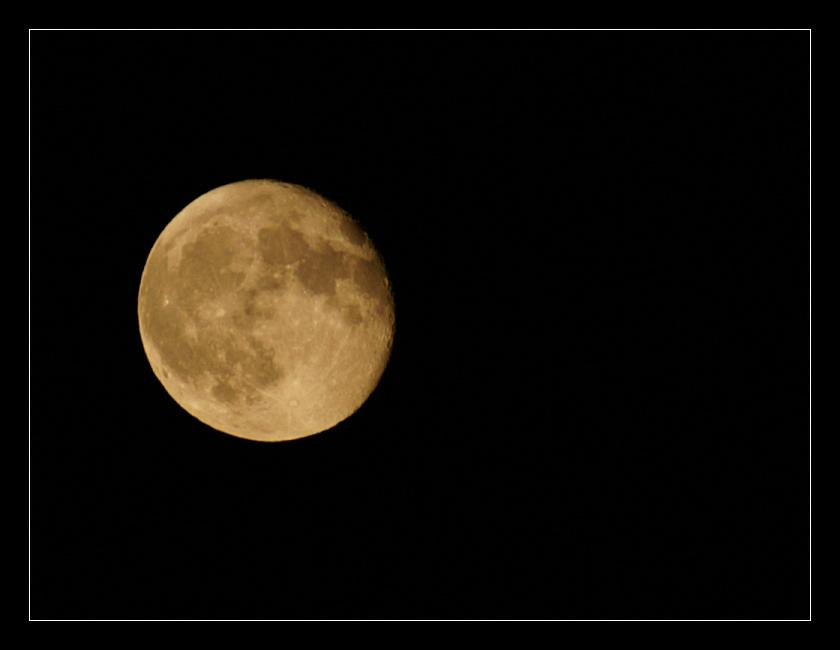 moon by xanadian