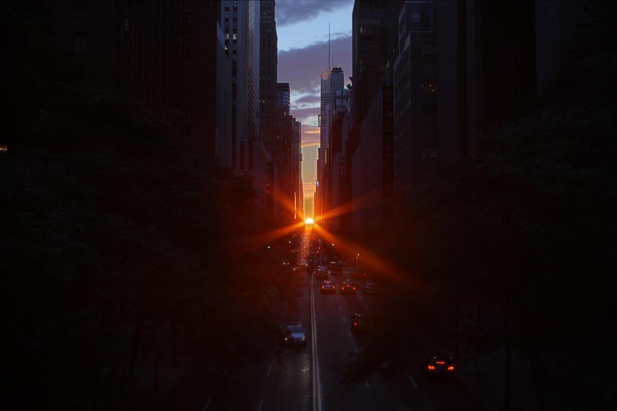 Manhattanhenge Half-Sun HDR