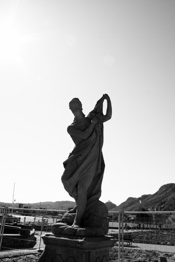 Statua by HOMER65