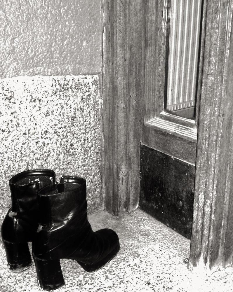 Platform Shoes @ Tomtebogatan 2008-11-05 by ThePresentTime