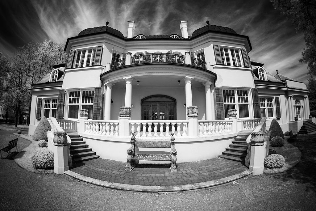 Suedvilla - IR by rschoeller