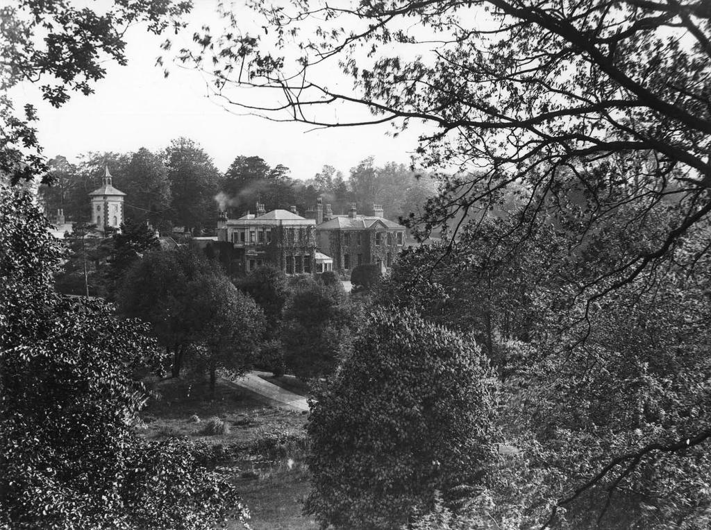 Hollywells Mansion c.1930 by Oniroid