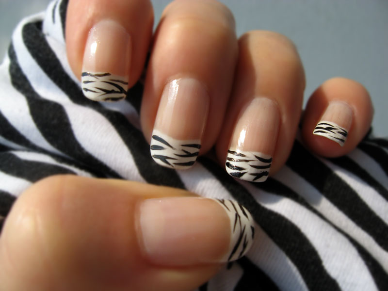 Make up and Nail up - Page 13 Zebra_Nail_Polish_2_by_xzibitka