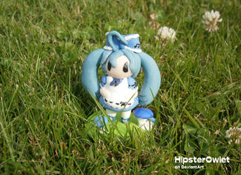 Alice in Musicland Sculpture - Alice by HipsterOwlet