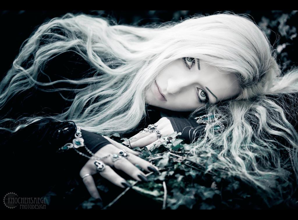 Angel III by RemusSirion