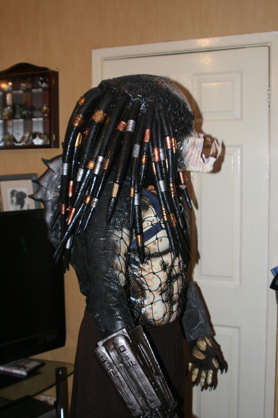 how to make a predator costume
