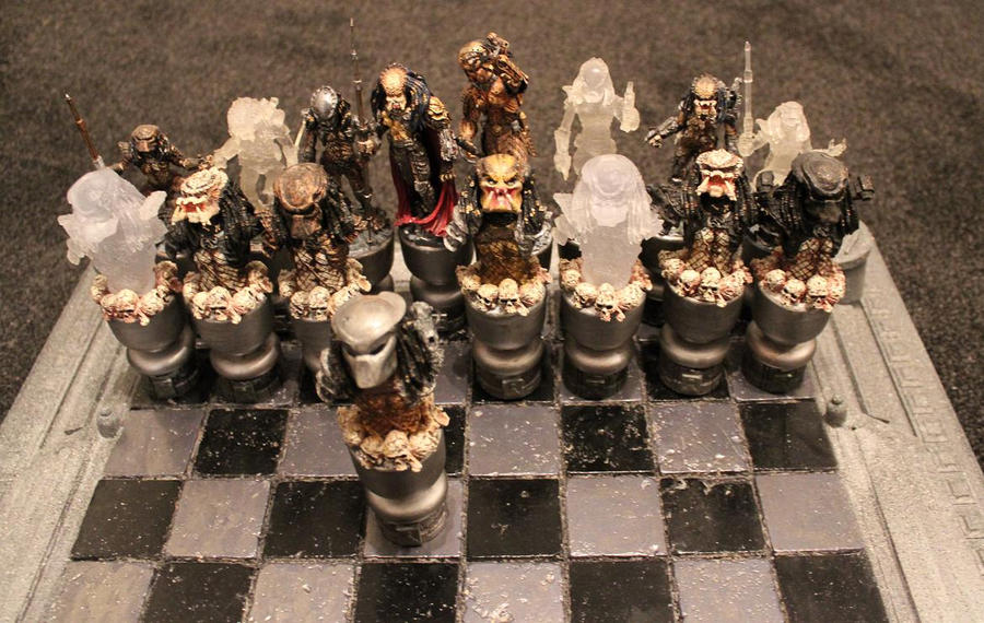 Alien Vs Predator Wallpaper Chess AvP Set Roudy Bunch By