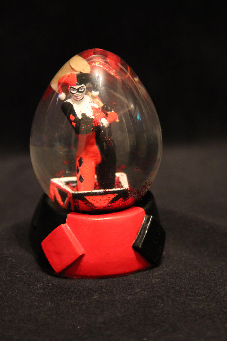 Harley Quinn Snowglobe. by Joker-laugh