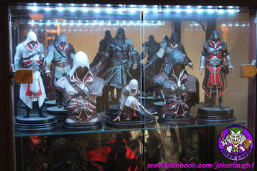 Ezio's and 1 Mini Altair Display by Joker-laugh