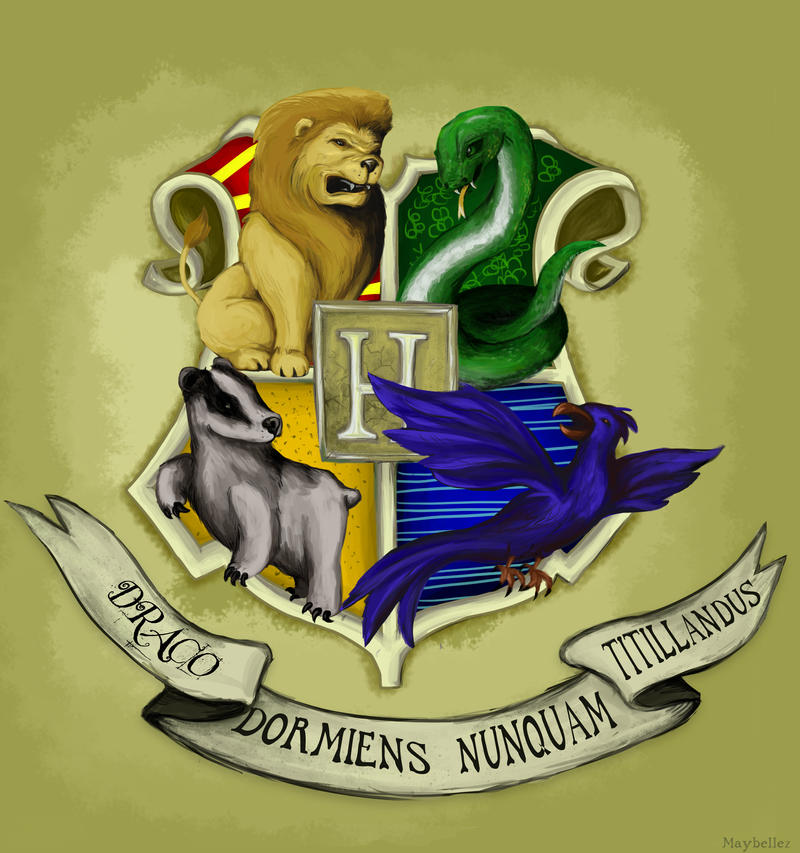 Hogwarts crest by Maybellez
