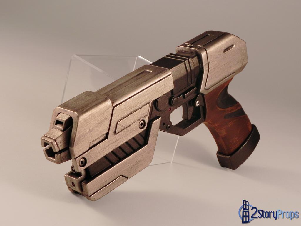 Samus Aran's Pistol by torsoboyprops