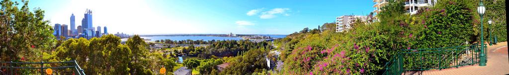 Panoramic of Perth 02 by matthew-lane