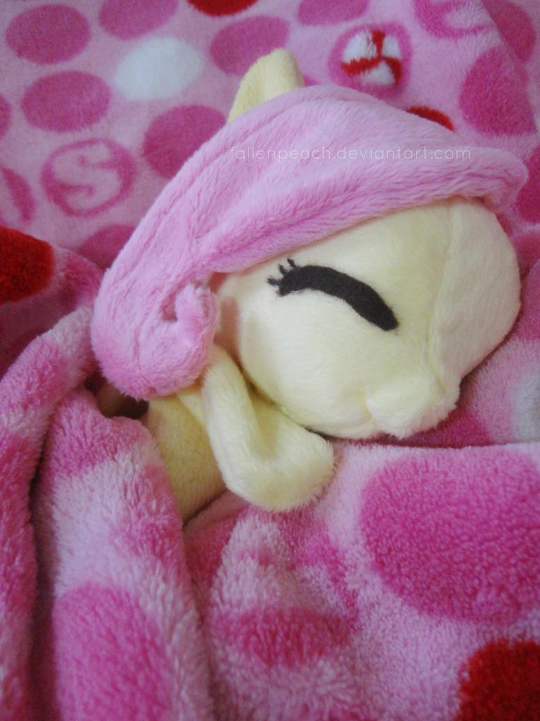 Shh.. she's asleep. :) by Fallenpeach