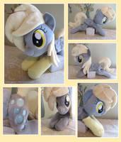 :: My little Pony Derpy Hooves Beanie with socks : by Fallenpeach