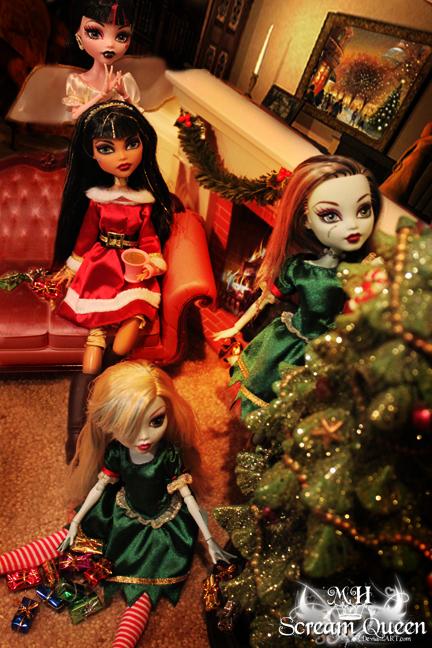 Куклы монстер хай на новый год от деда мороза