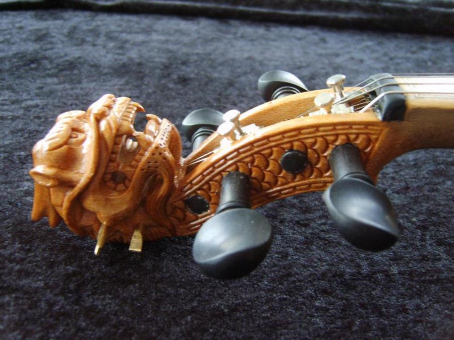 Dragonhead by deviantviolins