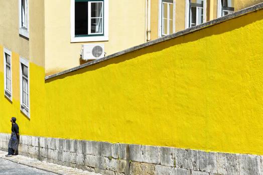 van gogh yellow at lisbon