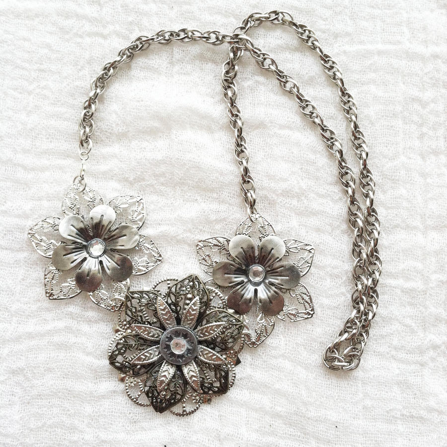 Silver Flower Necklace by NBetween