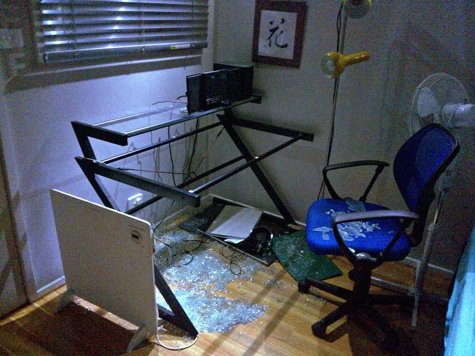 shattered glass desk 2