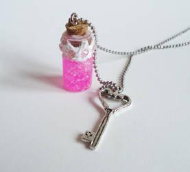 Pink Glitter bottle by FrozenNote