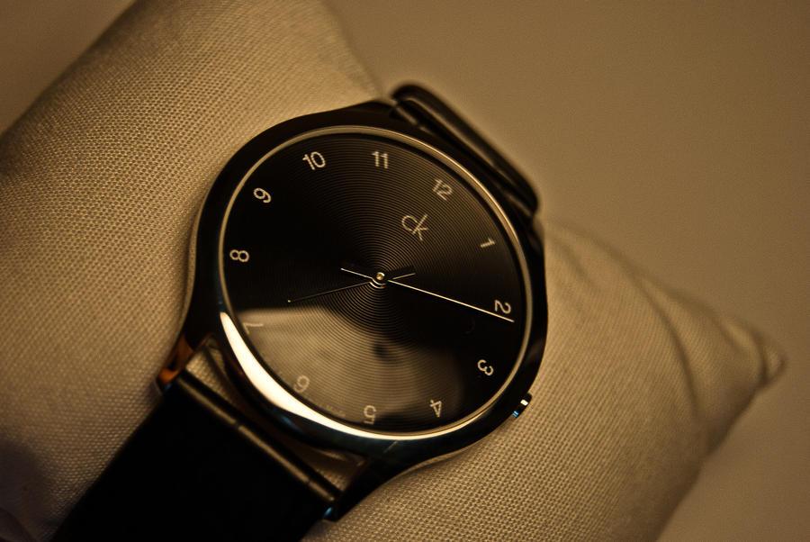 http://fc02.deviantart.net/fs71/i/2010/219/3/3/Calvin_Klein_clock_by_kissadam.jpg