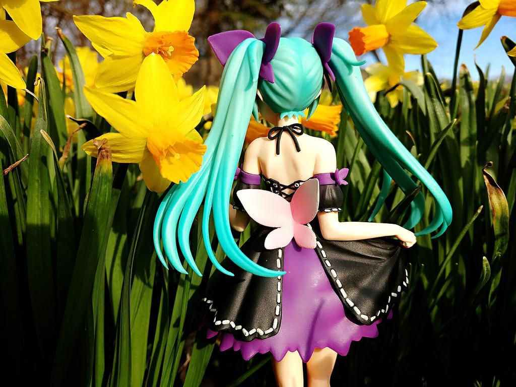 Miku in the flowers 02 by PuffedRice