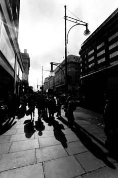 Nous sommes les ombres.