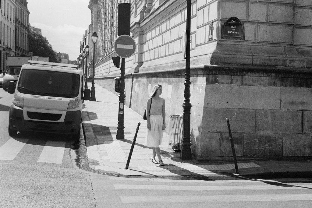 Paris Street CCCLXXIV by leingad