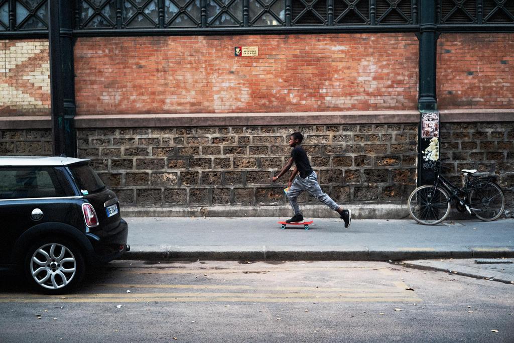 Paris Street 655 by leingad