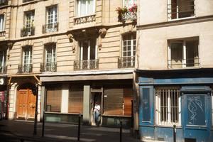 Paris Street 826